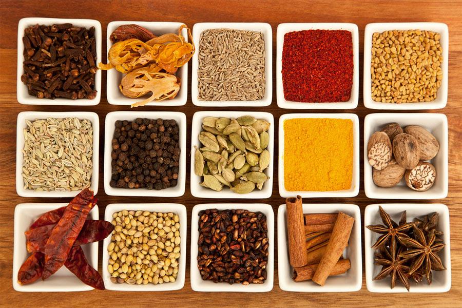 Една аюрведа диета включва цветна, ароматна и вкусна храна