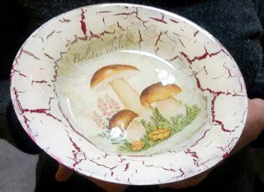 Декупаж на чиния  - Център Фрейле